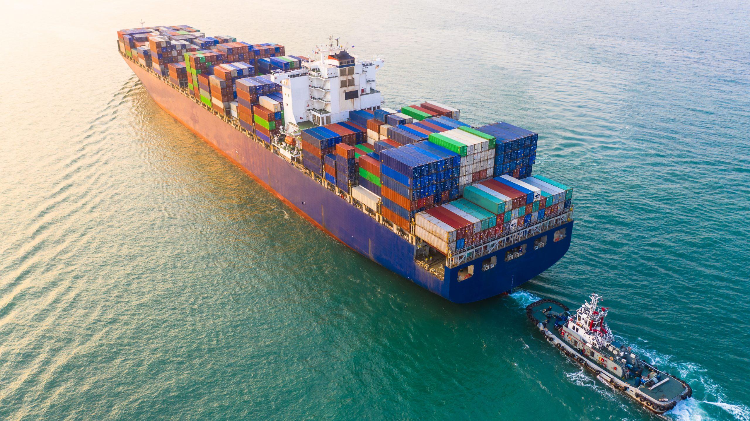 Freight Forwarders: 6 Tips to Get Through Peak Shipping Season