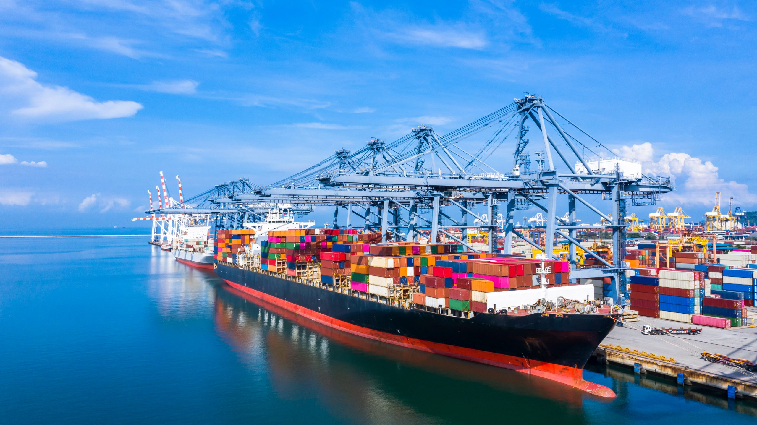 How Freight Forwarders Can Overcome Port Congestion Challenges